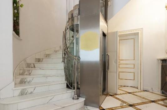 安装家庭用电梯