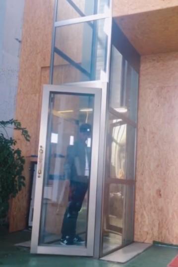 这是一个三层别墅家用电梯图片展示