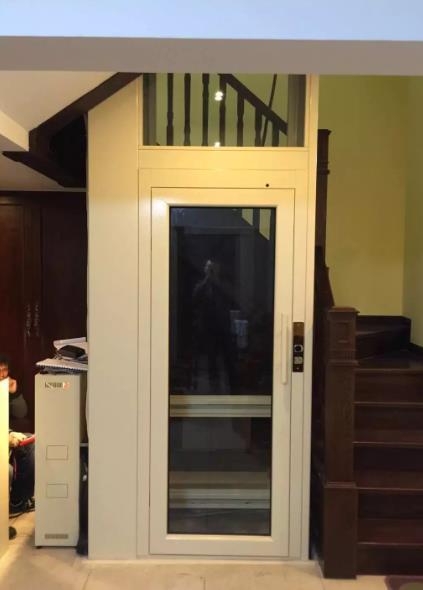 单向玻璃的家用电梯