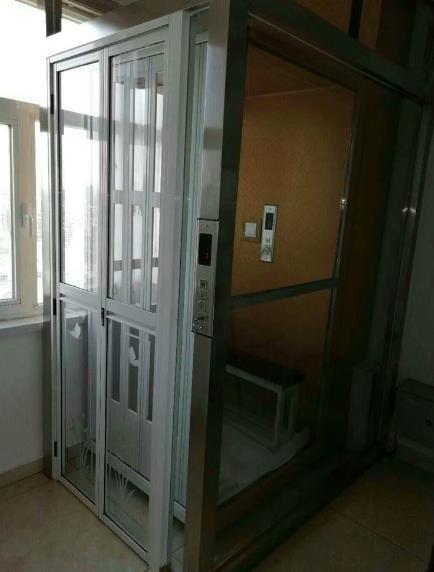 透明的家用电梯轿厢