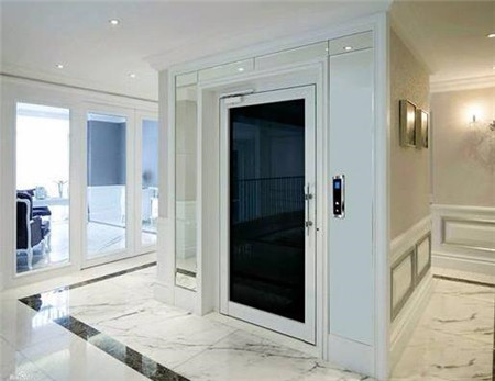 干净简洁的家用电梯