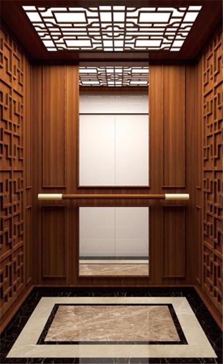 上等红木装修的家用电梯轿厢