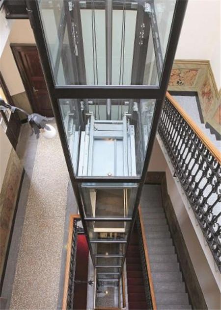 传统的家用电梯