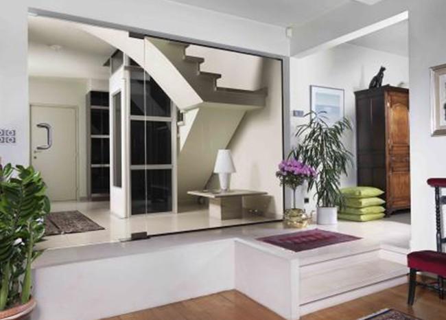 成都电梯厂家安装在客户别墅里面的电梯实拍图