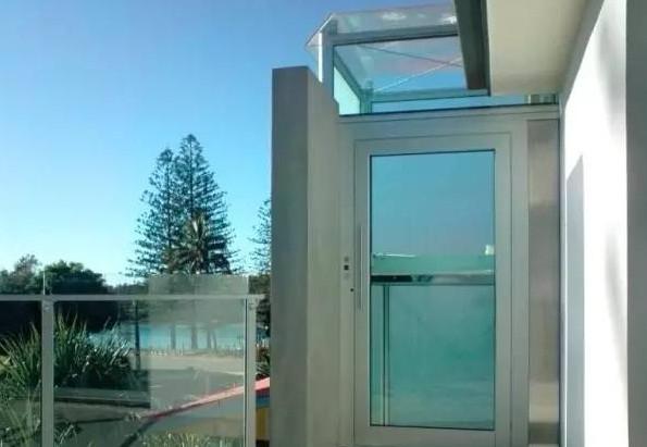 位于楼顶 的观光型别墅电梯