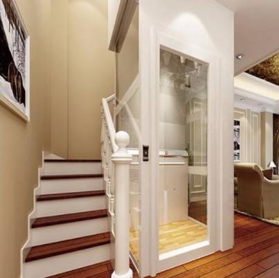 一台液压式小型家用电梯