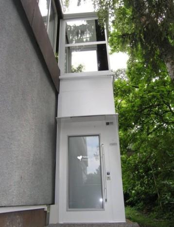 别墅安装在外面的电梯