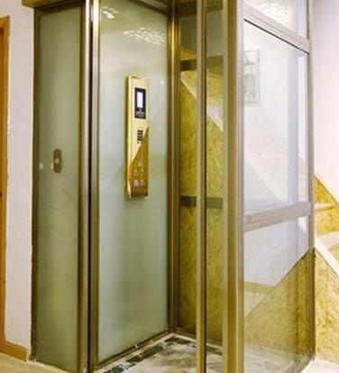 带电梯的别墅型楼房