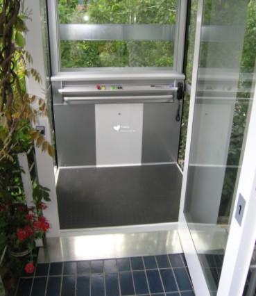 漂亮的小型家用电梯