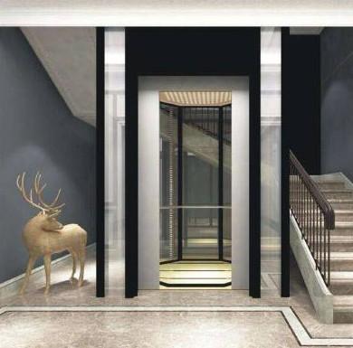 白色的别墅电梯很漂亮