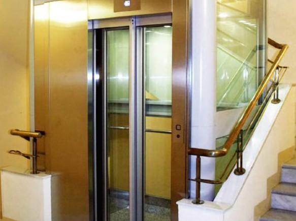 两层全玻璃别墅电梯很安全