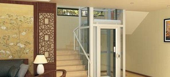 白色的家用电梯装好了
