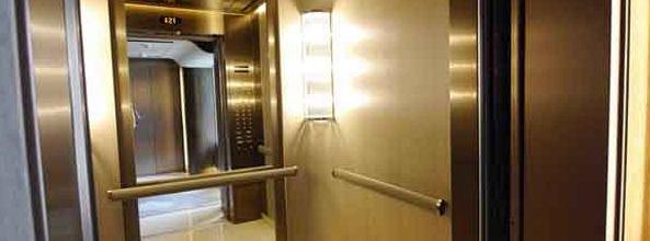 已经安装好的家用电梯